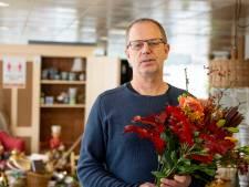 Bloemen voor Jan Kuipers uit Vroomshoop na onterechte arrestatie tijdens oprollen drugslab