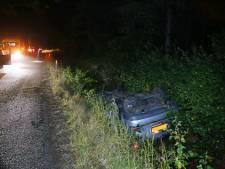Jongen ontwijkt ree in Vessem en belandt met auto in de sloot