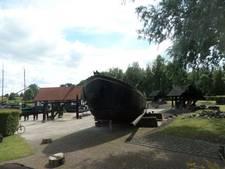 Discussie over restauratie waalschokker Janus in Woudrichem