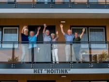 Deze stellen uit Bornerbroek zijn 50 jaar getrouwd én 50 jaar buren:  'Als de een verhuisde, ging de ander mee'