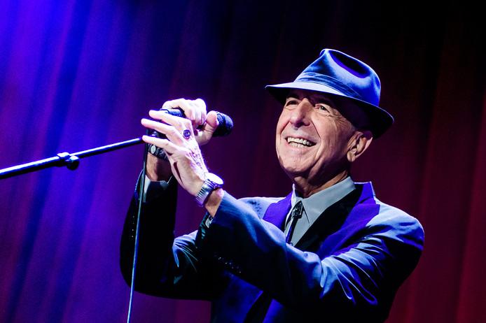 Leonard Cohen tijdens een optreden in 2013 in de Ziggo Dome.