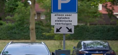 Auto's niet op tijd weg bij laadpalen?  Dan kan Heusden optreden