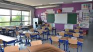 Nieuw klasmeubilair voor klaslokalen godsdienst- en zedeleer