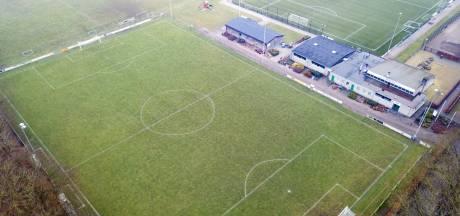 Tussenbalans Apeldoorns amateurvoetbal: welke clubs zijn goed bezig en waar is werk aan de winkel?