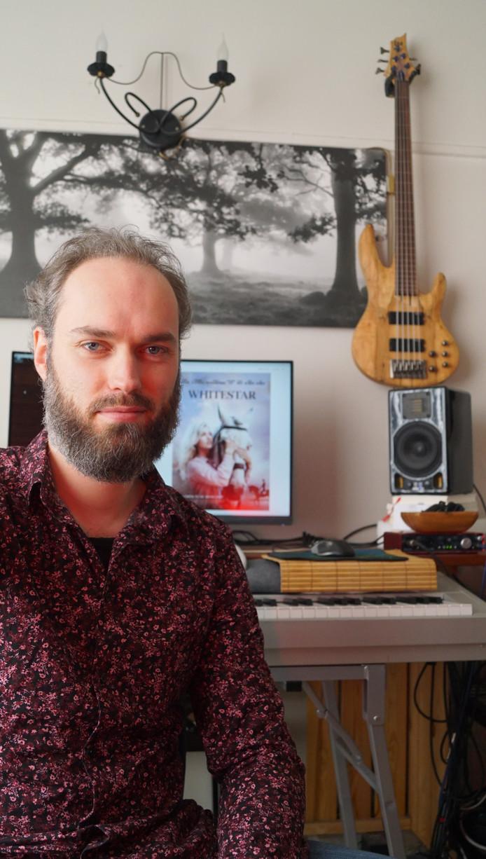 Karl Heortweard, muziekcomponist uit Almelo. Voorheen Karel Bonke.