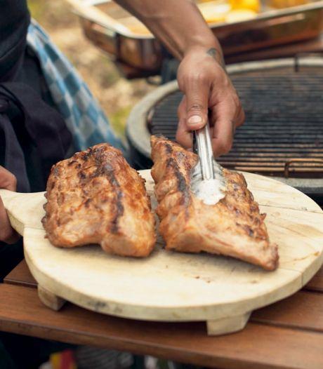 Barbecuetip: deze dranksoort maakt je vlees in een handomdraai mals