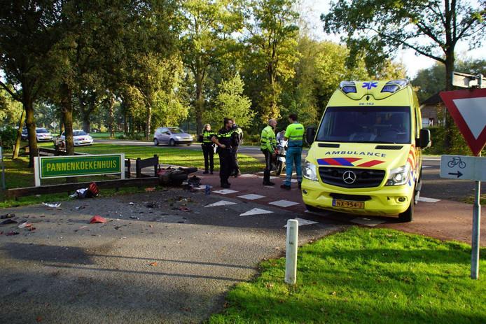 De ambulance bij het ongeluk.