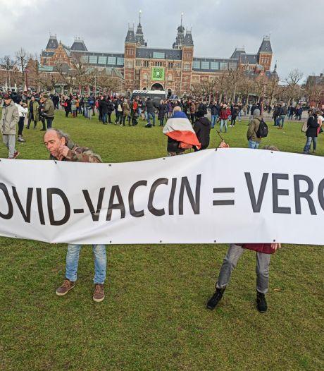 LIVE | Proef met sneltesten van Groningse studenten,  Britse 70-plussers aan de beurt voor vaccin