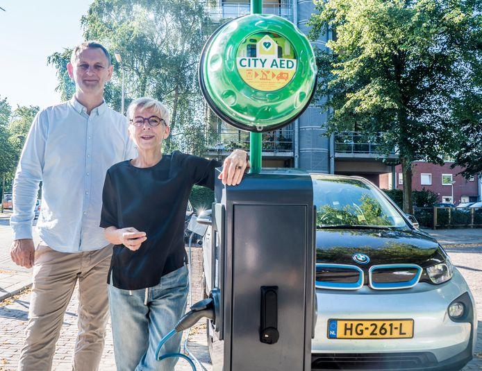 In Delft staat de allereerste laadpaal met aed.
