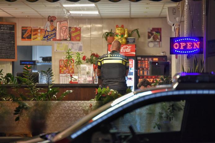 Overval cafetaria Tilburg, politie vindt masker van overvaller op straat