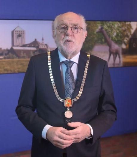 Applaus voor de zorg is niet voldoende, zegt de burgemeester van Boxmeer in zijn toespraak
