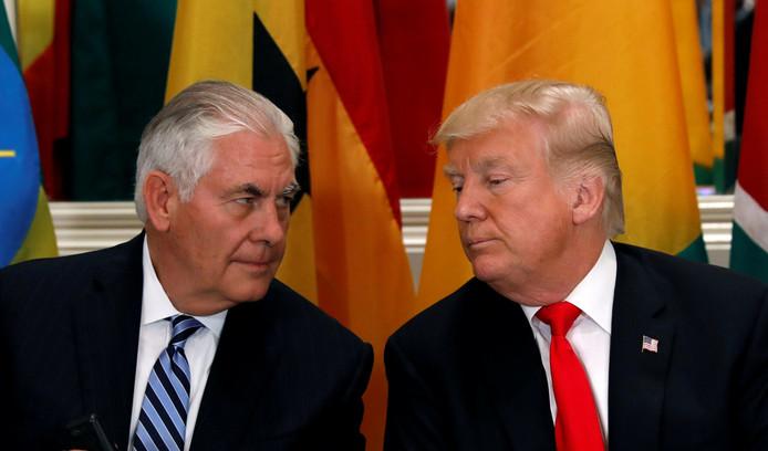 President Donald Trump (rechts) met toenmalig minister van Buitenlandse Zaken Rex Tillerson in september 2017.