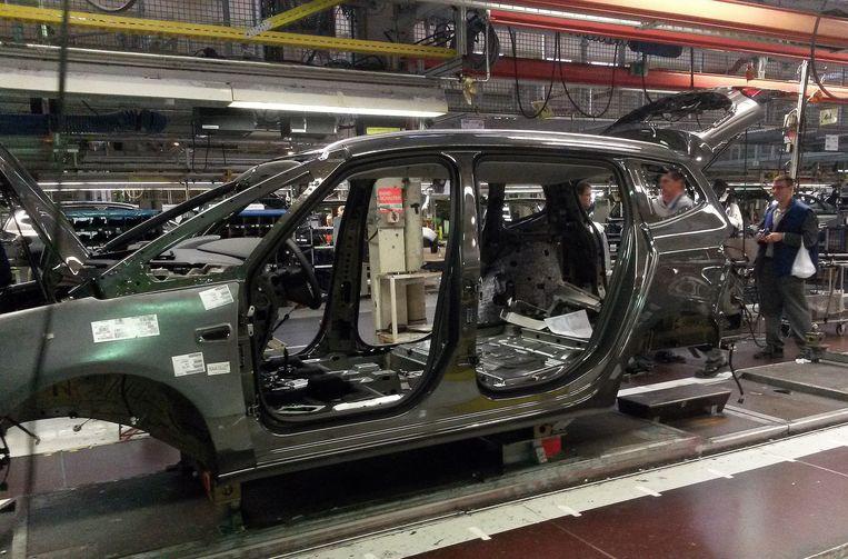 Een Opel Zafira in de fabriek in het Duitse Bochum. Beeld epa
