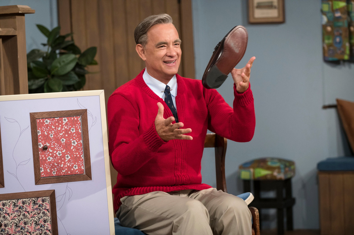 Tom Hanks als Fred Rogers in A Beautiful Day in the Neighborhood. Beeld