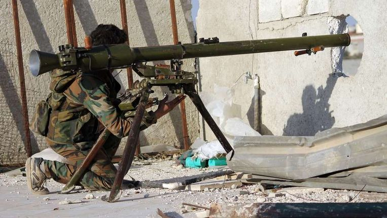 Een strijder in Aleppo, Syrië. Beeld afp