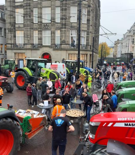 Boeren uit Oost-Nederland barbecueën bij het Binnenhof: 'Het ging echt viraal, als een soort spinnenweb'
