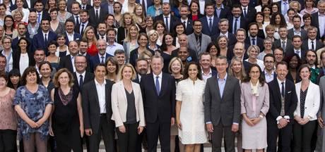 Parlement Macron bijgespijkerd: eerst verpleegster, nu Kamerlid