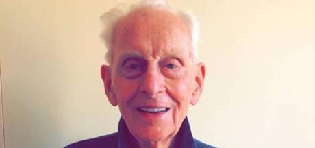 Deventenaar Lex de Jong (91) is uitgewandeld na zestiende Vierdaagse
