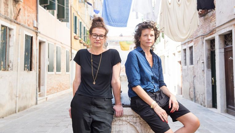 Bianca van der Schoot en Suzan Boogaerdt in Venetië Beeld Federico Sutera
