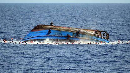 """""""Overal lichamen"""" na bootramp voor Libische kust"""