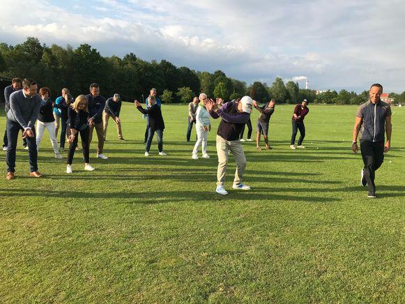 De Antwerp Golf School wil mensen laten kennismaken met de golfsport.