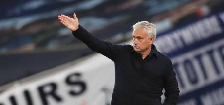 Mourinho haalt uit naar FA: 'Moeilijk een wereld te leiden waar je geen verstand van hebt'