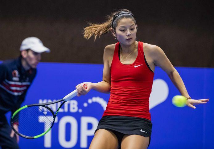 Arianne Hartono staat in de halve finales van het NK Tennis.