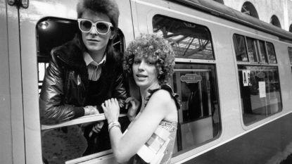 """""""Ik vond het niet erg om te delen:"""" David Bowie's ex-vrouw gaf toestemming voor affaire met femme fatale"""