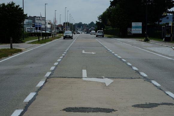 De Leuvensesteenweg krijgt over een afstand van 500 meter een nieuwe betonlaag.