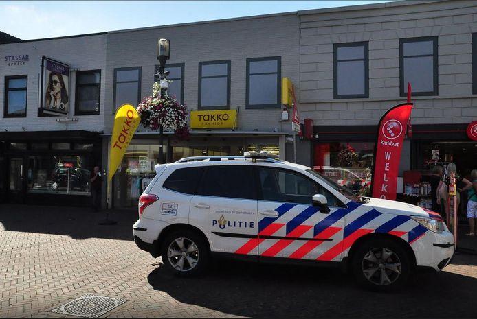 De overval werd gepleegd bij de winkel Takko in Waalwijk.