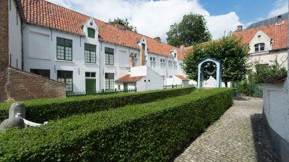 OCMW koopt zeventien begijnhofwoningen (en gaat ze restaureren met Vlaamse steun)