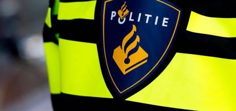 Politie haalt twee vechtende Polen uit elkaar in Bergen op Zoom en slingert er drie op de bon