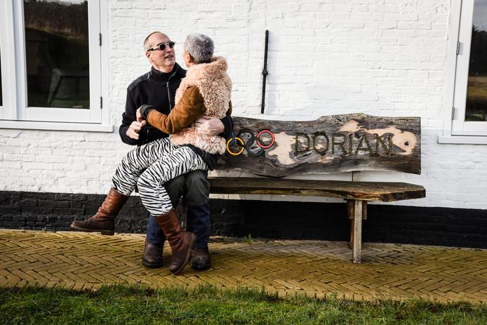 Mark en Geertje van Rijsselberghe, de ouders van surfer Dorian van Rijsselberghe.