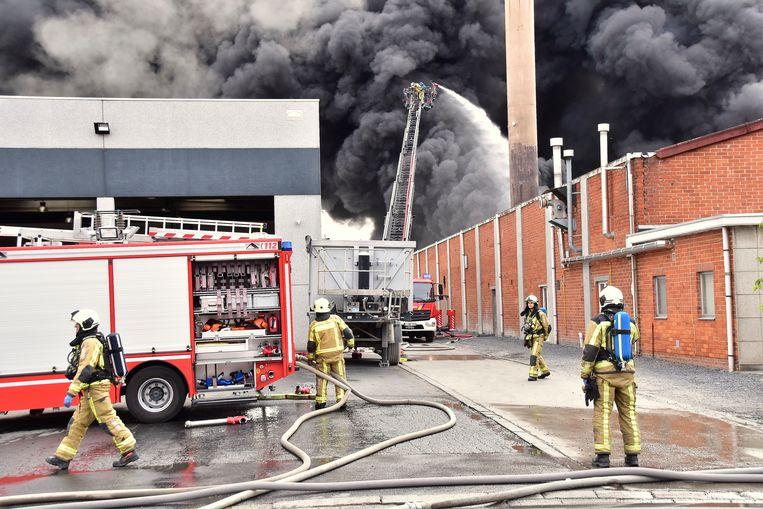 De brand bij Flocart woedde in alle hevigheid.