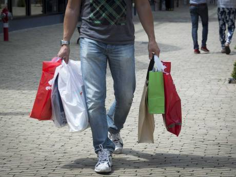 Kabinet wil uitverkoop uitstellen: geen koopjes voor 1 juli