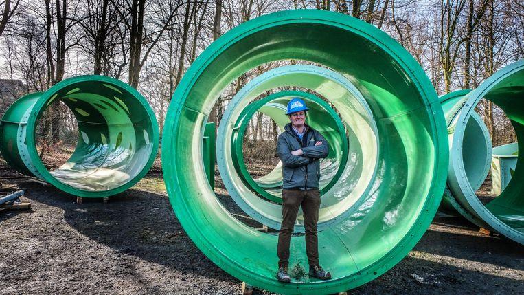 """""""Met een diameter van 2,70 meter is  de glijbaan een primeur voor Europa"""", zegt directeur Stefaan Lemey."""