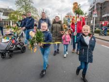Palmpasen in Losser: een kerk vol kinderen