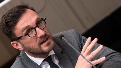 Pascal Smet trekt sp.a-lijst Brussels Gewest, Bert Anciaux trekt lijst Vlaams Parlement