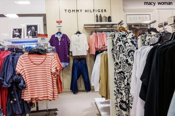 De webwinkel met het bekende bolle mannetje praat onder meer met Tommy Hilfiger.