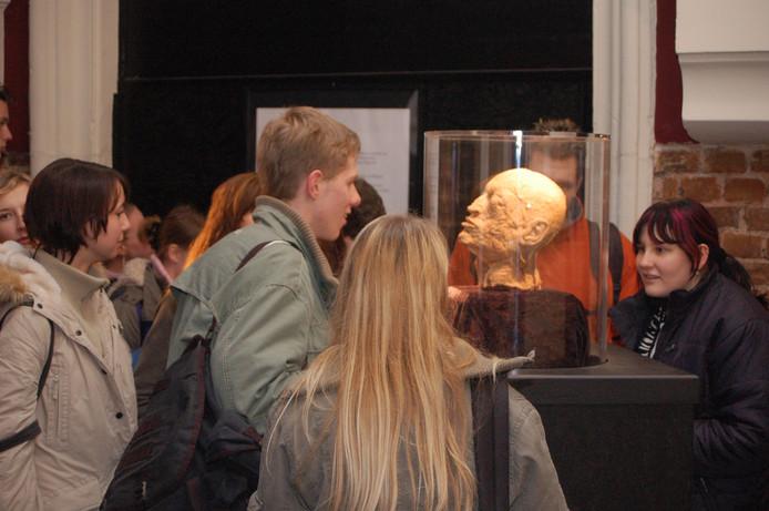 Expositie met mensenlichamen naar Tilburg