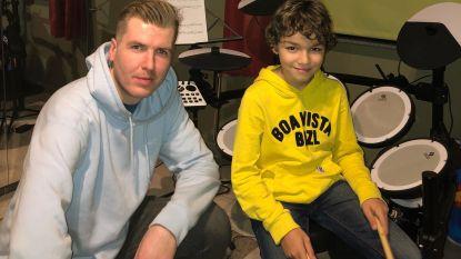 Stijn geeft muzieklessen aan huis met 'Zin In Muziek'