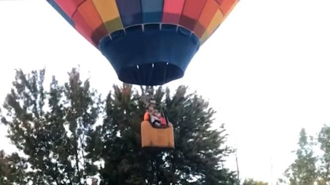 """""""Oh mijn God, wat is dat hier?"""" Man ziet in zijn tuin luchtballon noodlanding maken"""