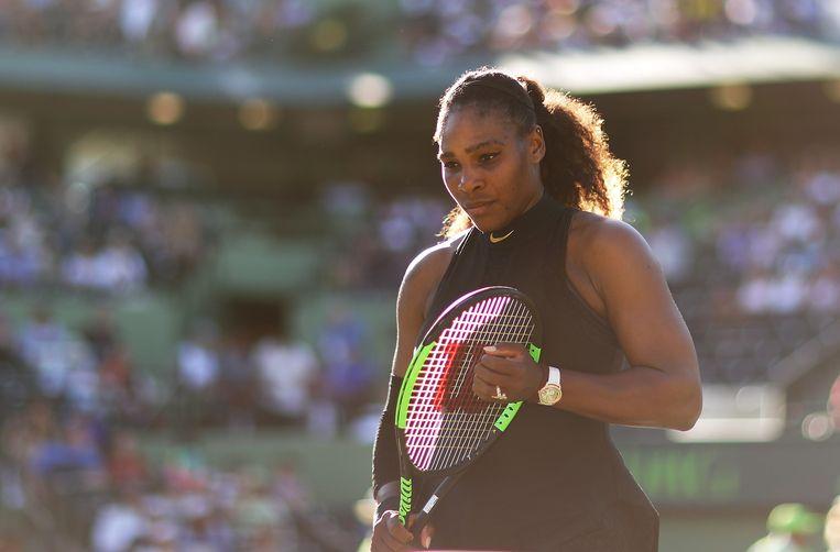 Serena heeft moeite om zich op het tennis te kunnen concentreren.