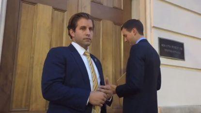 Jared Kushner staat voor gesloten deur tijdens Nafta-besprekingen en dan volgt ongemakkelijk moment van bijna 2 minuten