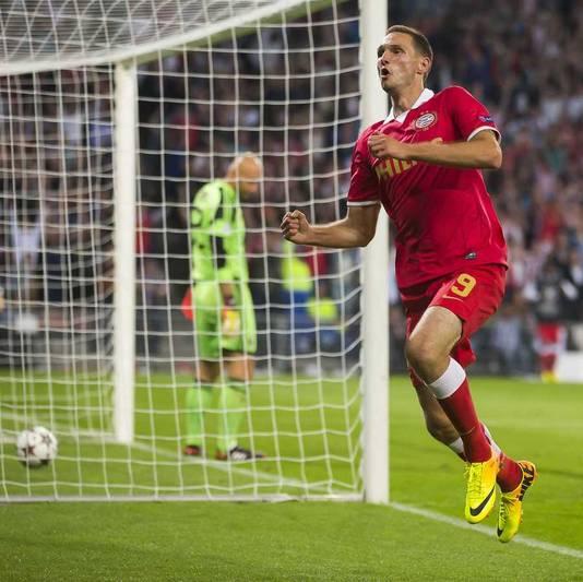 Tim Matavz heeft PSV weer naast Milan gezet: 1-1.