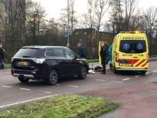 Vrouw met hoofdwond naar ziekenhuis na aanrijding in Nijkerk