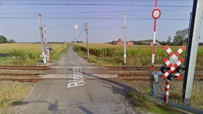 Infrabel overweegt sluiting spoorovergangen Ridderstraat en Beverenstraat
