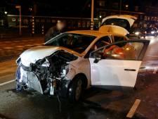 Twee auto's botsen op elkaar op Orthenseweg, weg weer vrij