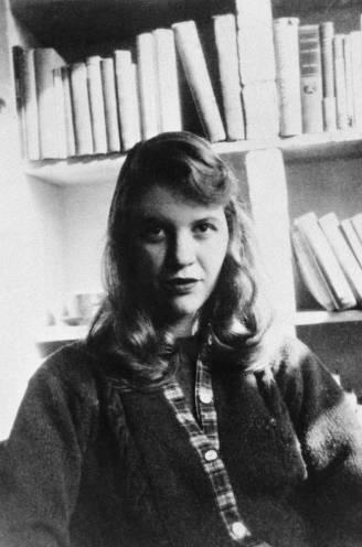 Verscheurd tussen intense ambitie en een romance die haar fataal werd: korte leven van schrijfster Sylvia Plath kende tragisch einde
