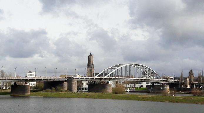 De John Frostbrug in Arnhem, symbool van de Slag om Arnhem die dit jaar voor de 75e keer wordt herdacht.